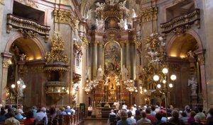 Экскурсия по собору Святого Стефана.